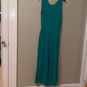 Green open back with bow detail NY&C jumpsuit